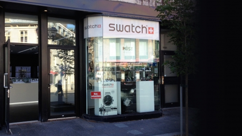 Groupe Swatch Canada - Windows lettering